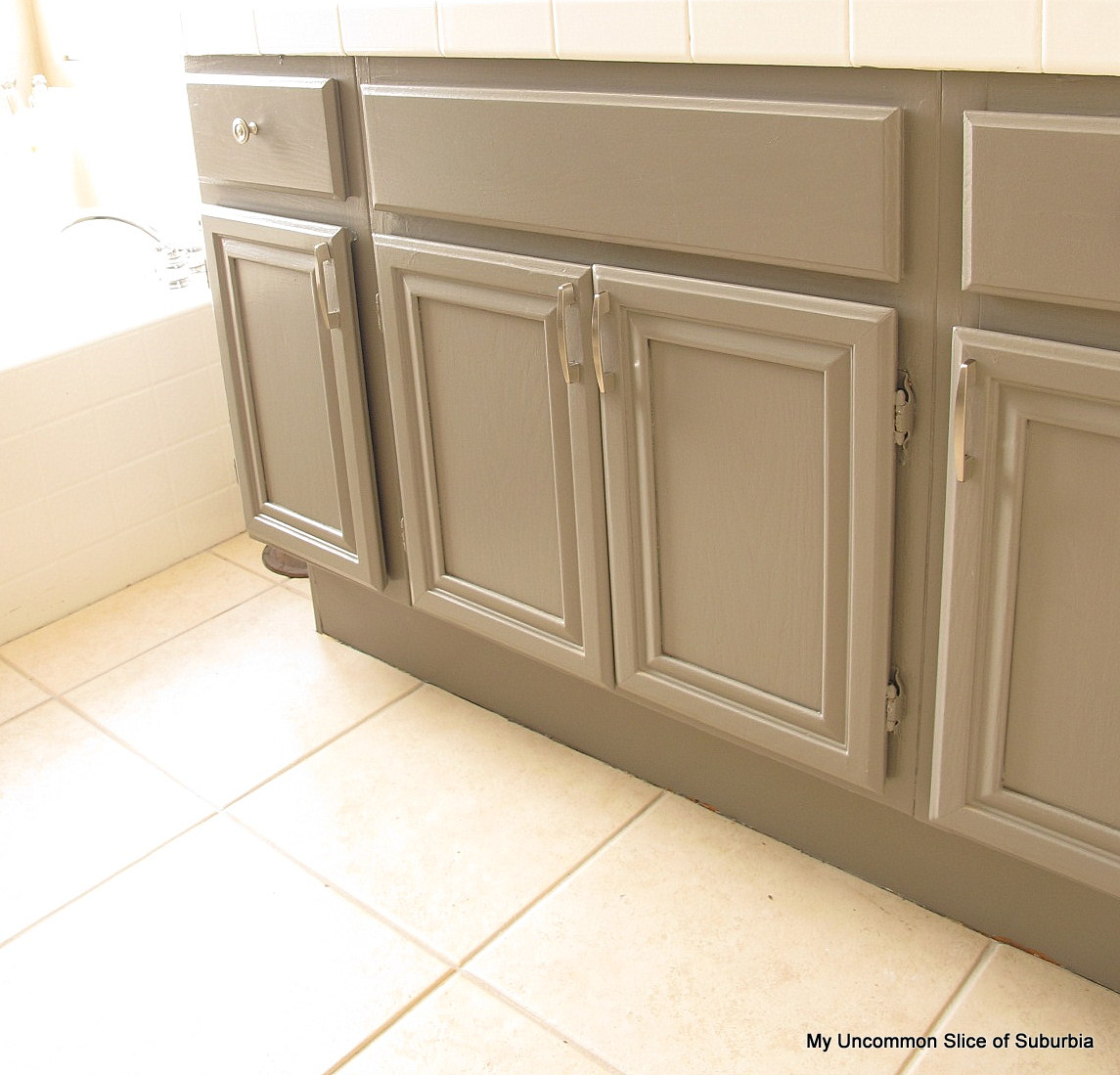 How to paint oak cabinets Pictures of painted cabinets