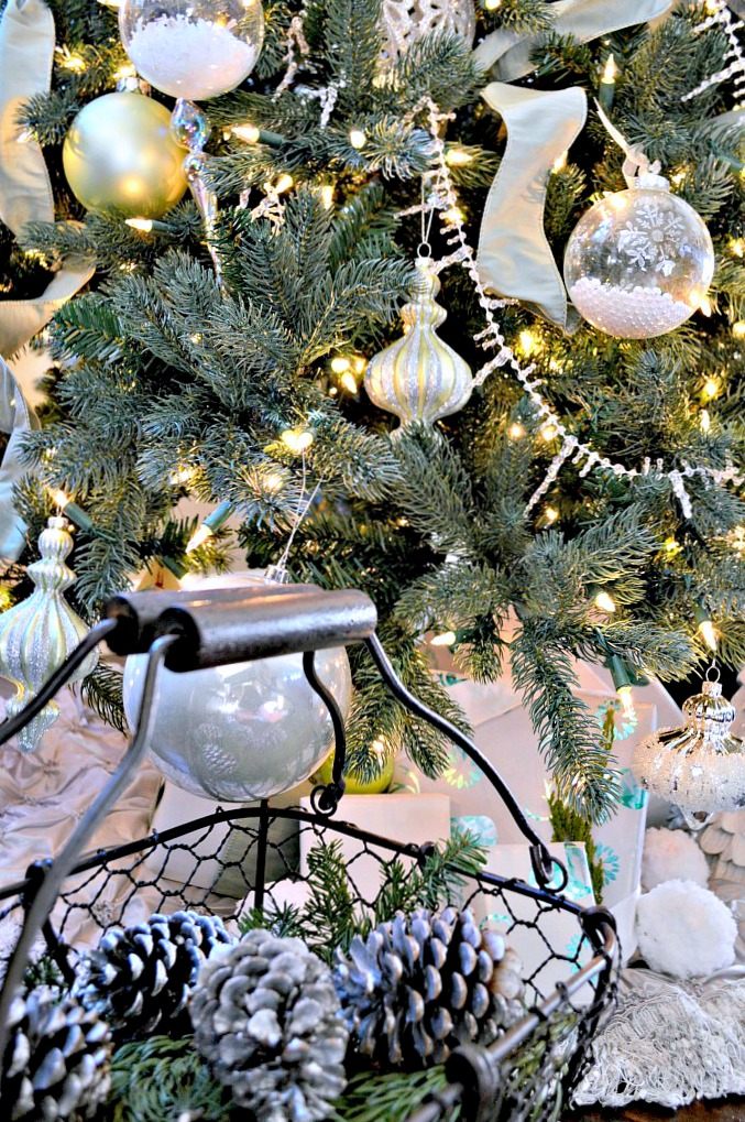 easiest-christmas-decor-add-pearls-in-a-glass-ornamnet