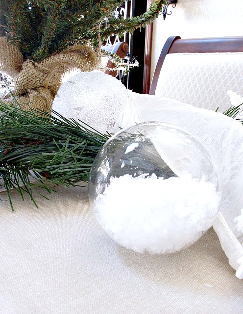 easy-christmas-decor-snow-flakes-in-a-glass-ornament