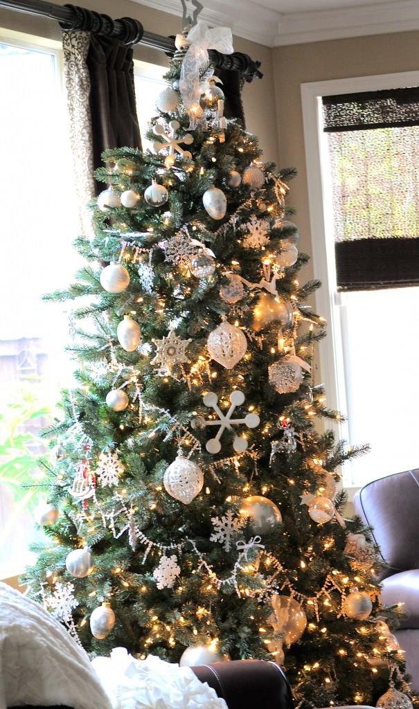 christmas-tree1-605x1024