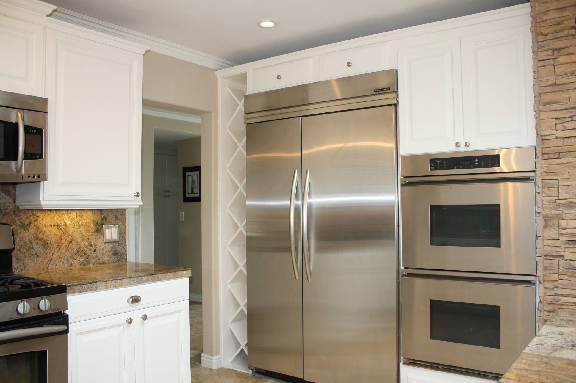 Painted kitchen cabinets for Catalyzed lacquer kitchen cabinets