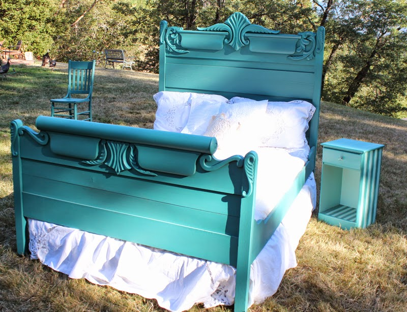 teal bed