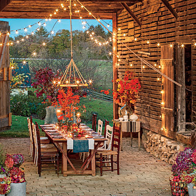 fall-barn-outdoor-dining-room-l