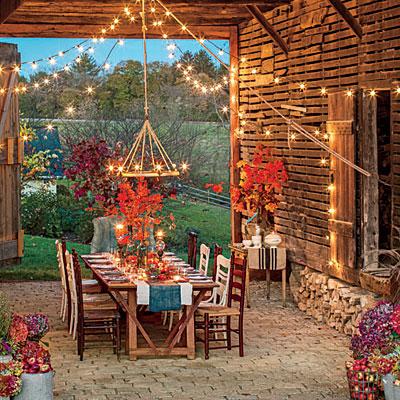 fall-barn-outdoor-dining-room-l