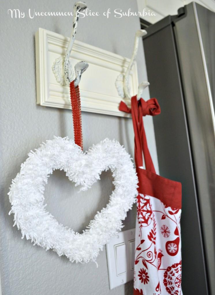 Easy Yarn Wreath