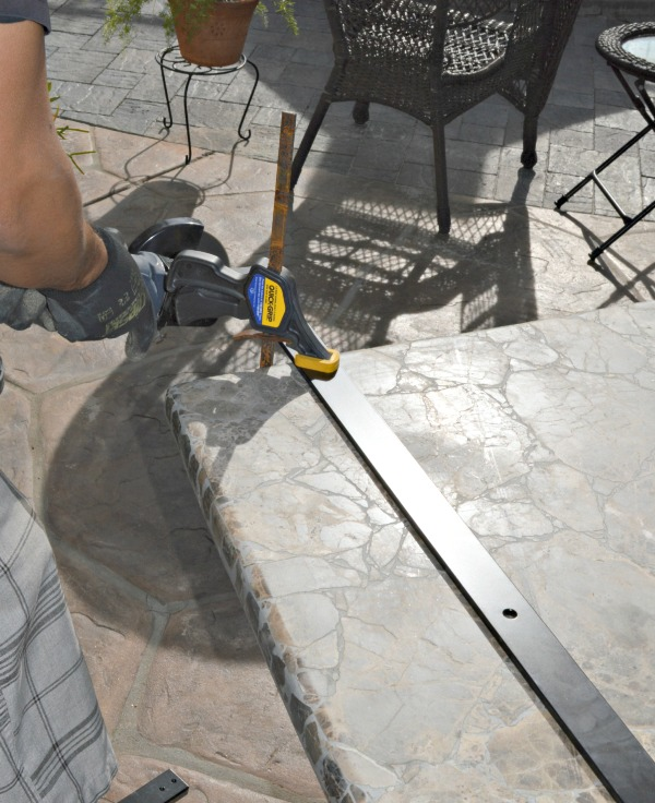 Cutting the rail track