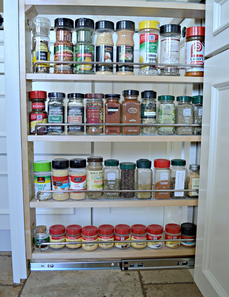 Pull out spice rack for organization