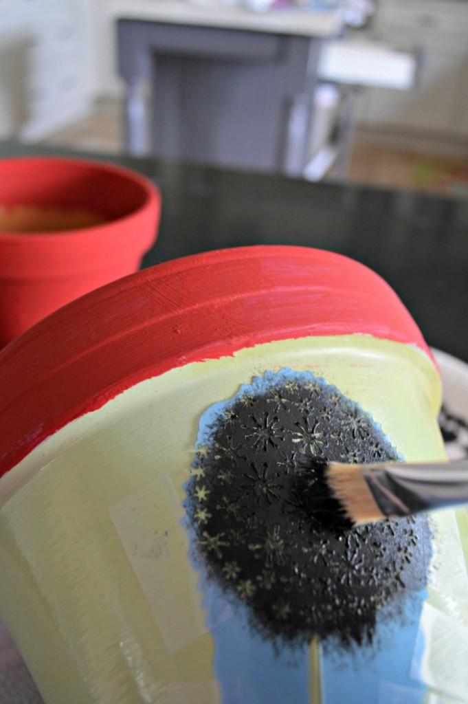 Stencil those clay pots
