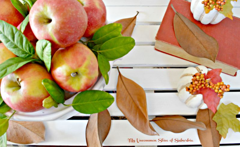 Beautiful Fall Vignette using natural elements