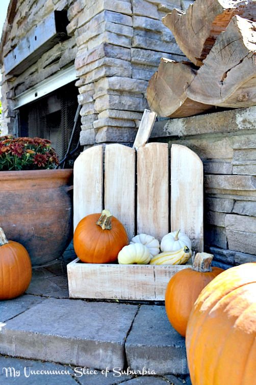 How to Build A DIY Rustic Pumpkin Stand
