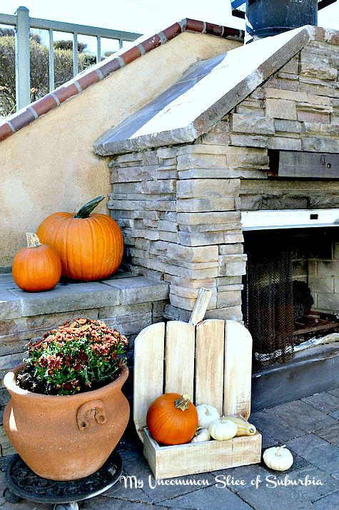 Make your own pumpkin stand for fall