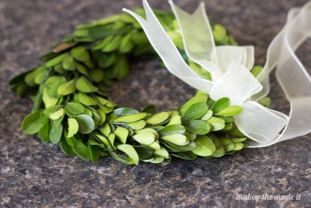 Gilded-Boxwood-Wreath5