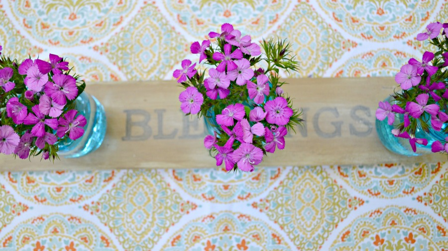 decorating with flowers, the easy way