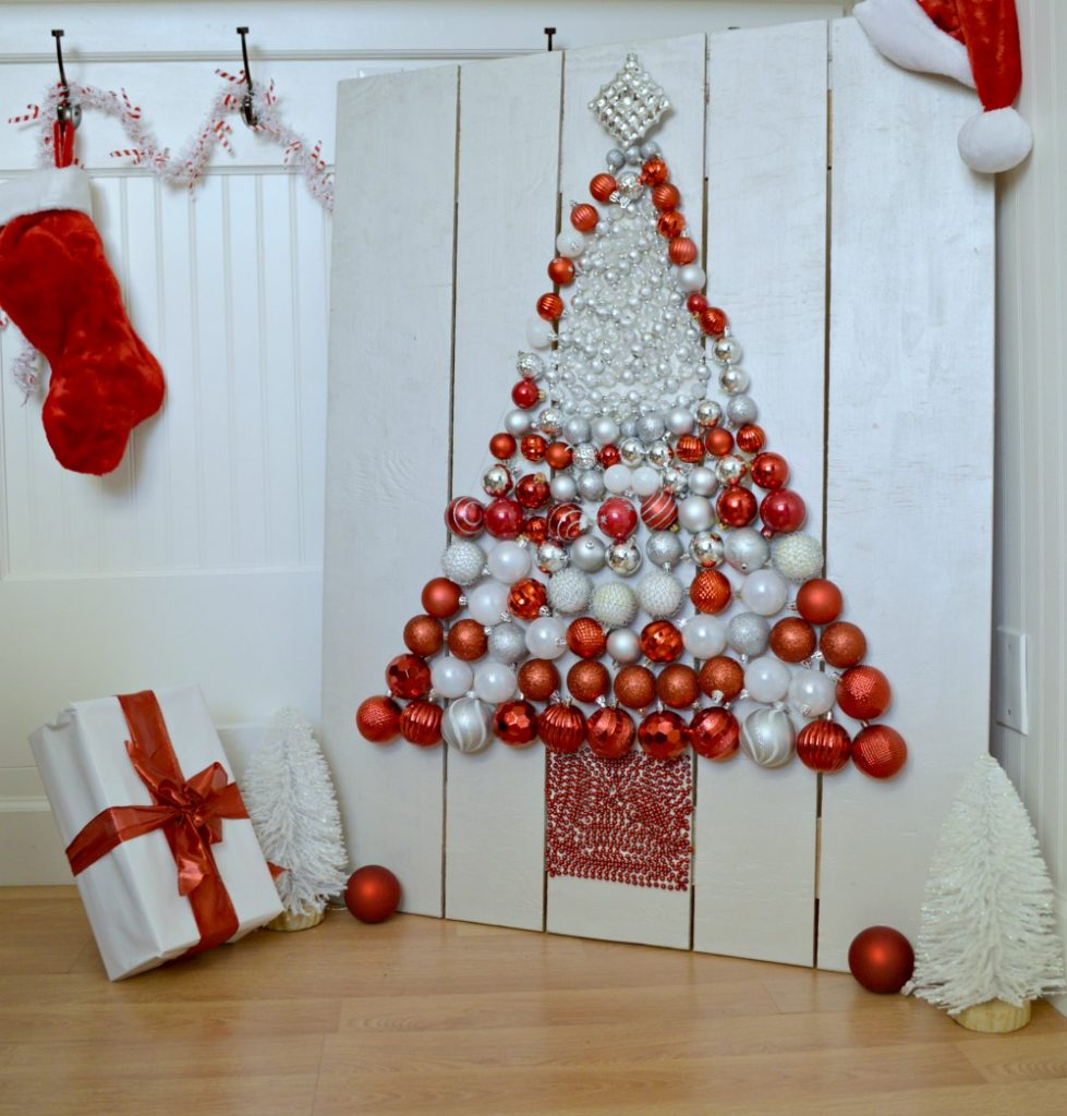 How to create a DIY Ornament display. Great tutorial with step step directions and pictures!