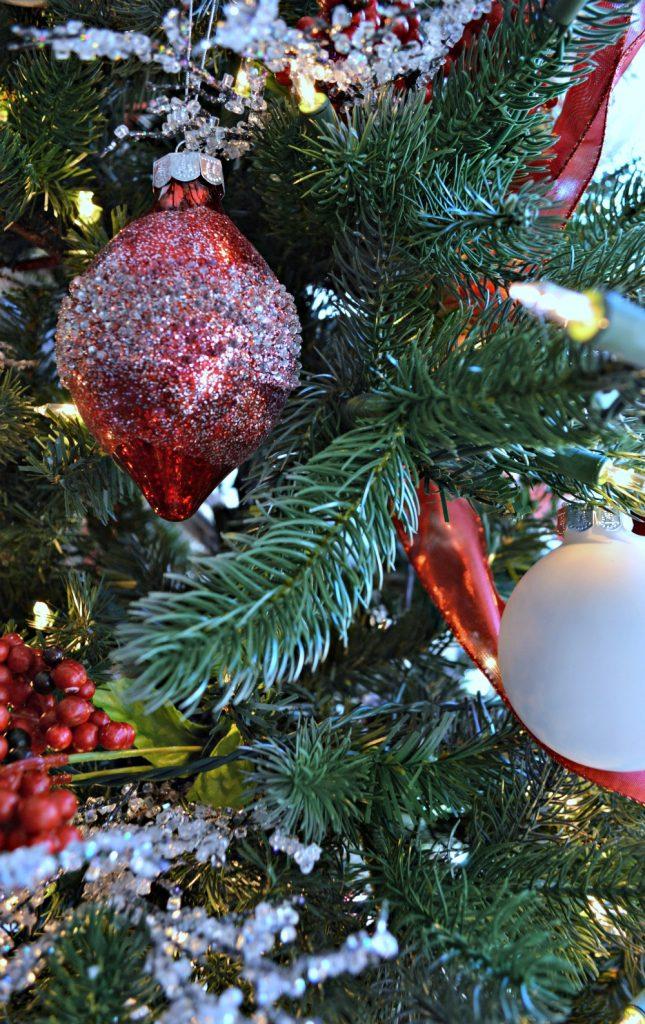 a-scandanavian-christmas-tree