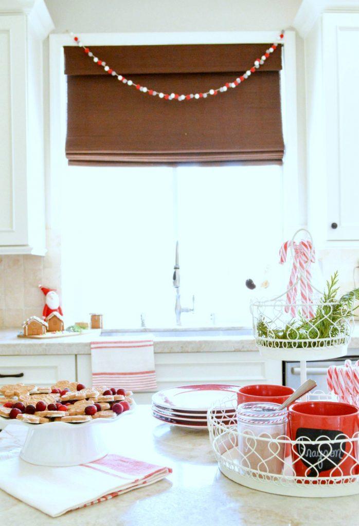 christmas-hot-cocoa-bar