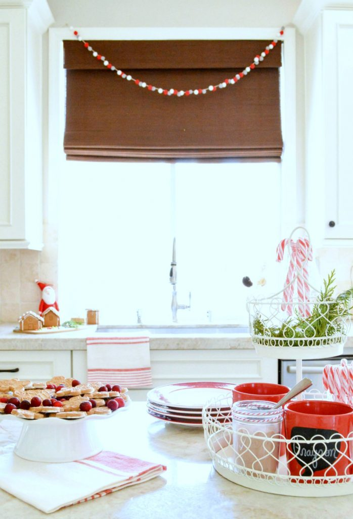 christmas-hot-cocoa-bar
