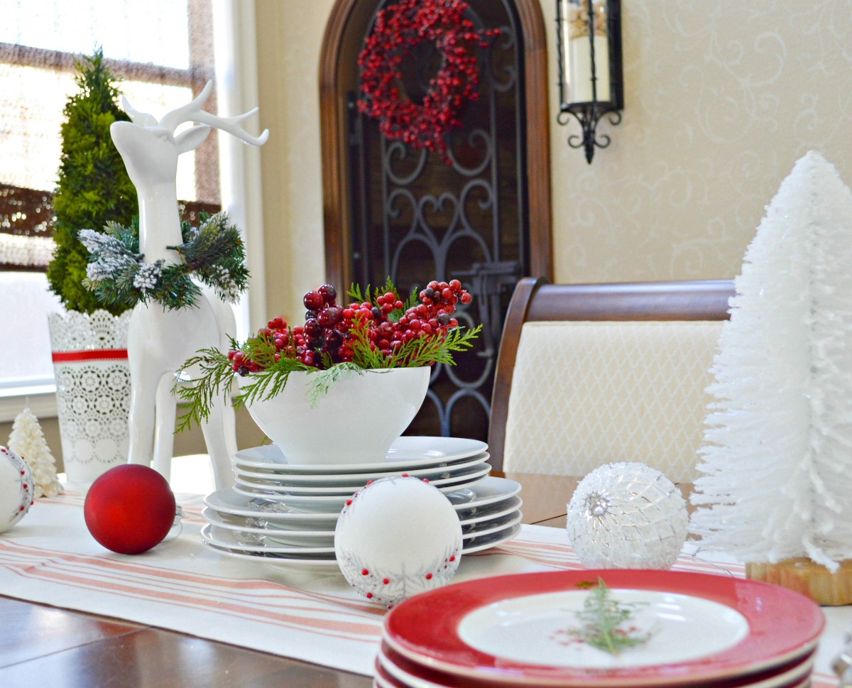 christmas-in-the-dinning-room-2