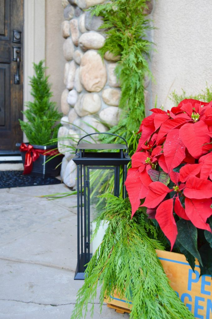 christmas-on-the-front-porch-using-fresh-greens