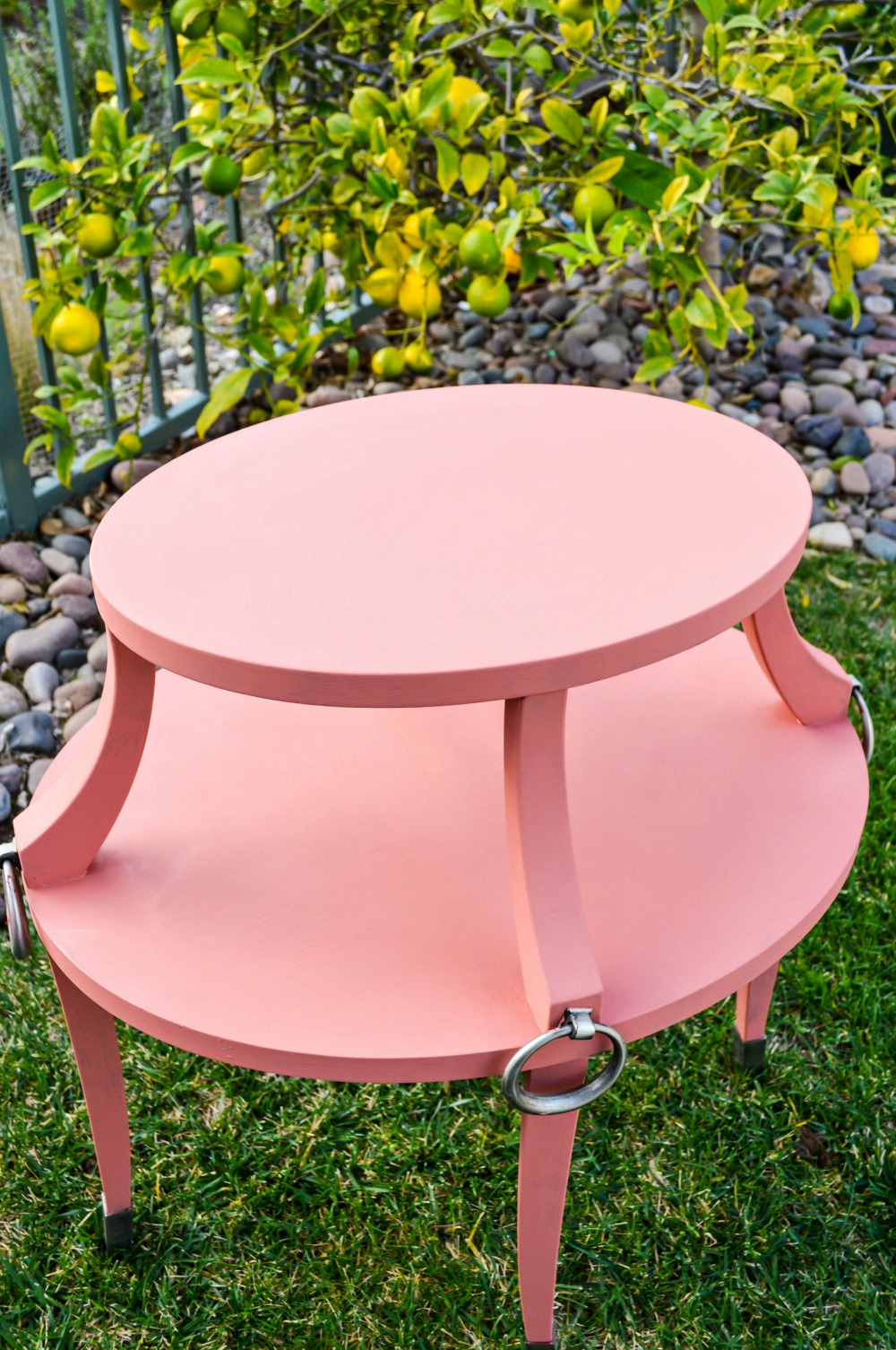 dont-get-rid-of-those-old-side-tables-paint-them