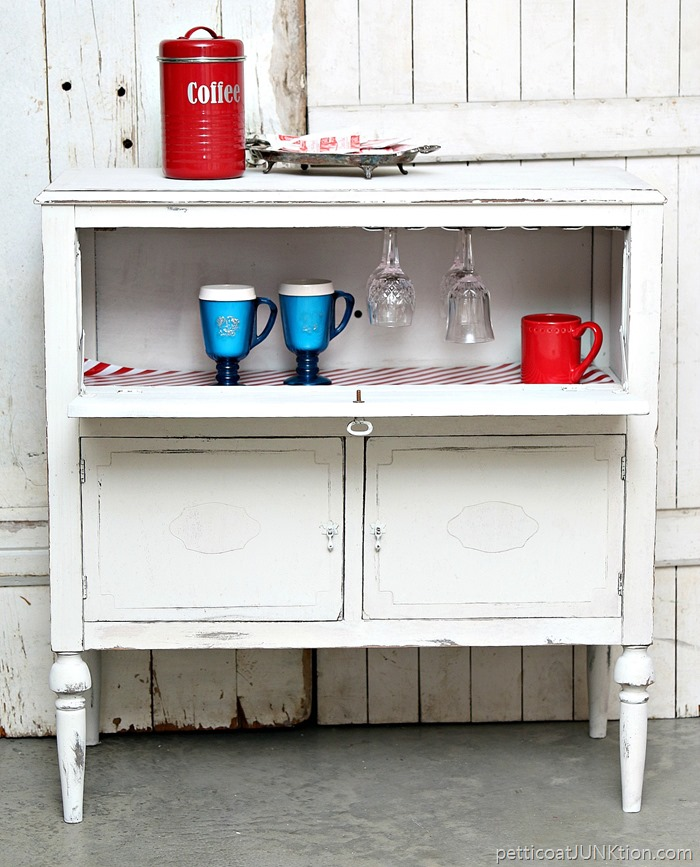 beverage-cabinet-for-coffee-and-hot-chocolate-and-wine_thumb