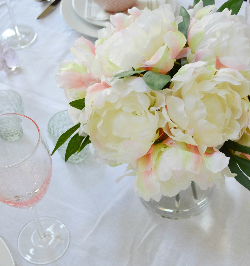 Beautiful pastels used for a easter table setting