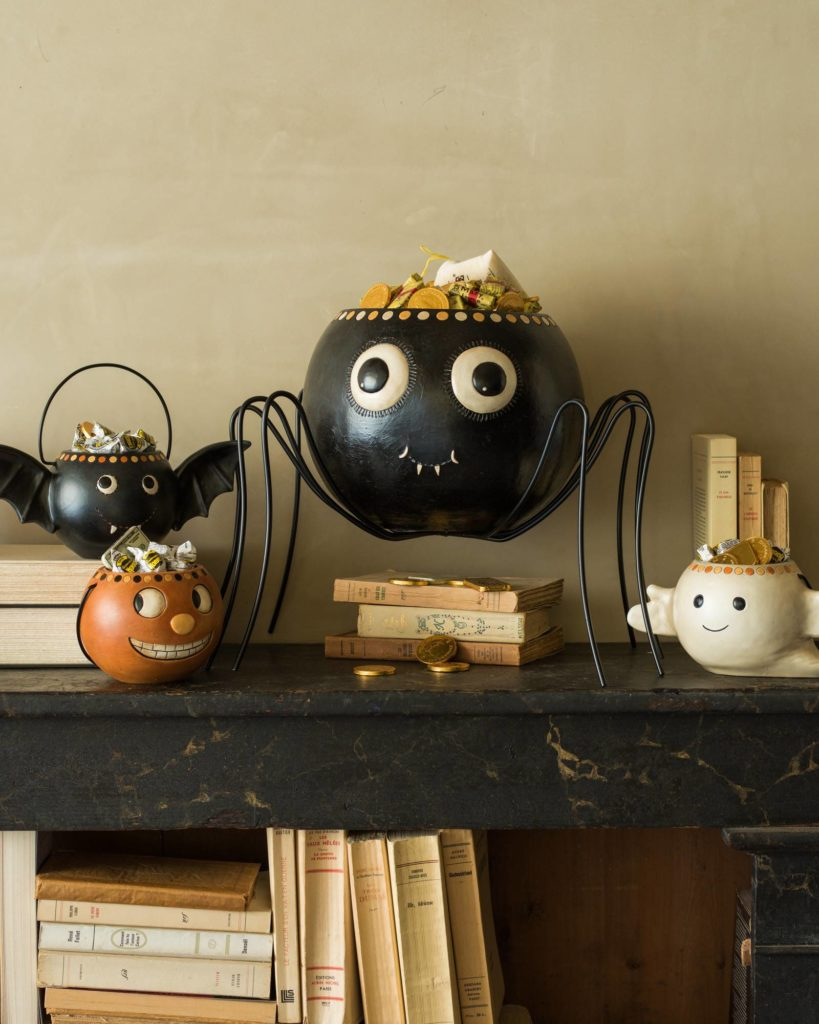 VINTAGE HALLOWEEN CANDY BOWLS