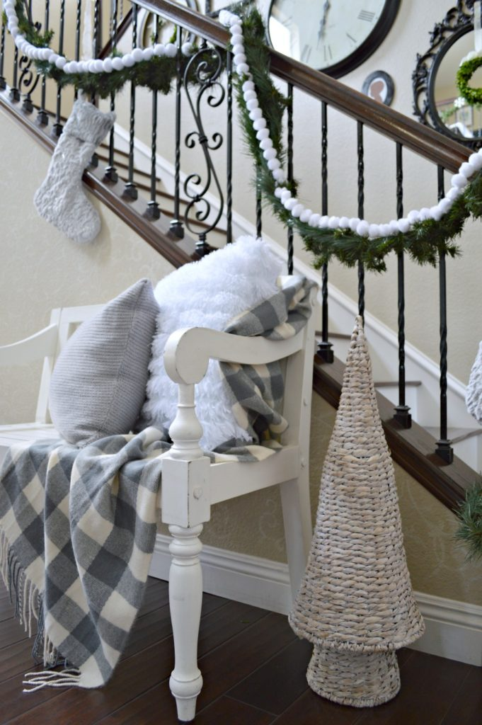 Christmas Home Tour 2017 Foyer decorated for Christmas