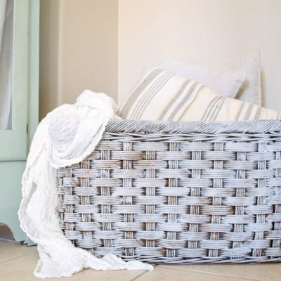 Take a thrift store basket and turn it into a beautiful Farmhouse basket with paint and wax. Great tutorial