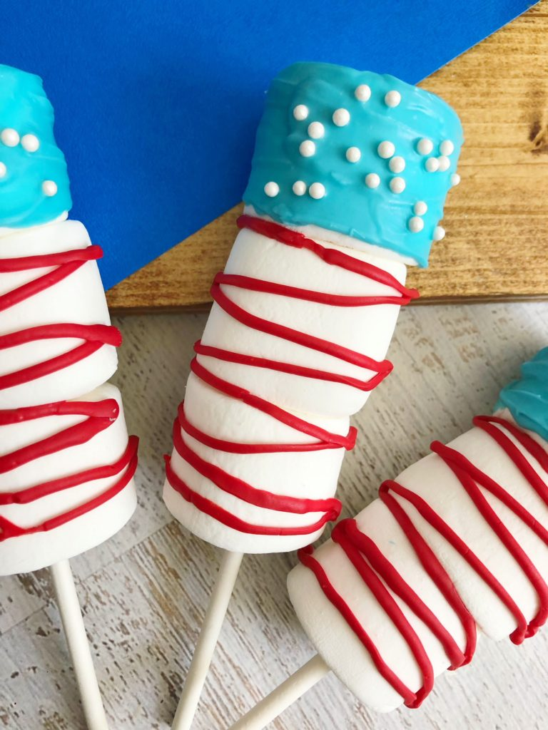 Flag Marshmallow pops recipe! The perfect treat for any patriotic party and so easy to make!
