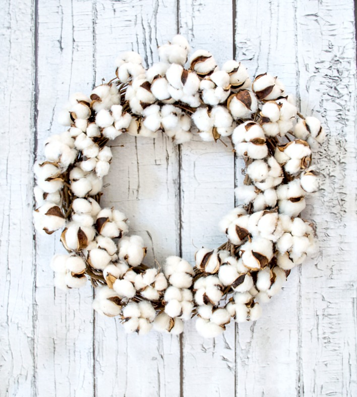 How to make your own cotton wreath, wonderful step by step tutorial with pictures.