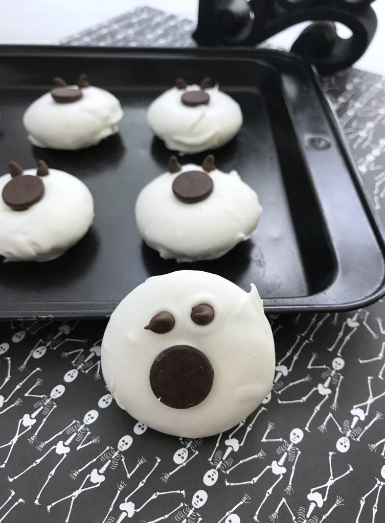 Mini Chocolate Donut Ghosts