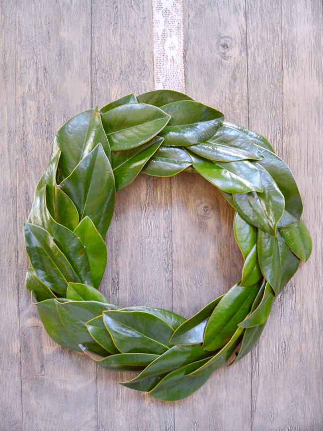 How to make a beautiful farmhouse magnolia wreath for CHEAP!