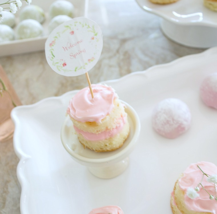 Learn how to make Simple Naked Cupcakes the easy way