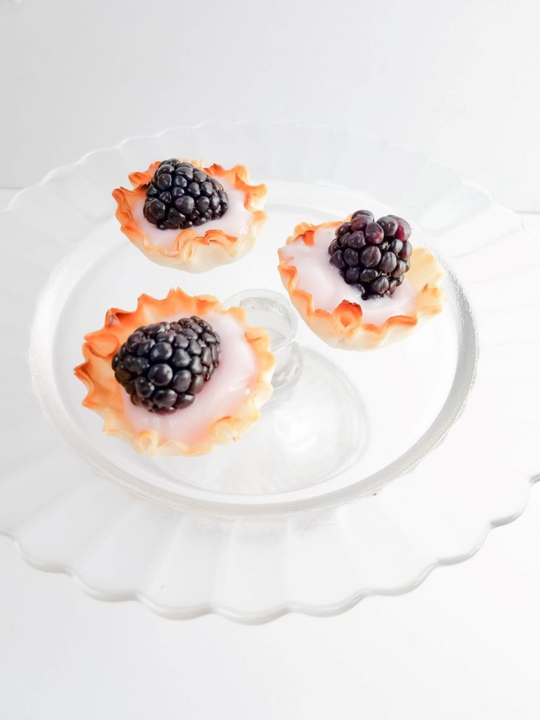 Easy Blackberry Yogurt Tarts Recipe
