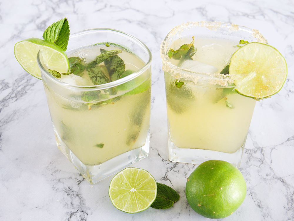 This limeade recipe was inspired by the popular Latin mojito cocktail. But this version is alcohol-free and also low sugar, giving you a healthier alternative. It's super refreshing and perfect for the whole family!